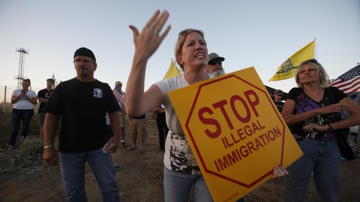 After Murrieta protest, feds won't discuss immigrant dispersals