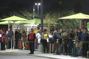 LAX's New Rideshare and Taxi Pickup System has Major Issues